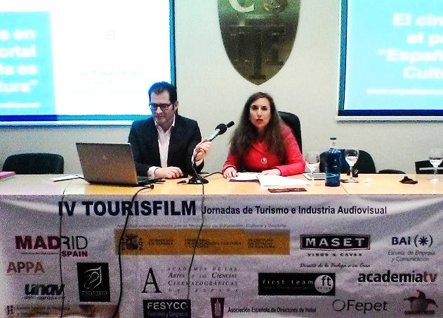 Juan-Manuel-Penín,-Director-Relaciones-Institucionales-de–SEGITTUR-y-Mª-del-Prado-Porris,-Consejera-Técnica-de-Promoción-de–Industrias-Culturales-y-Mecenazgo